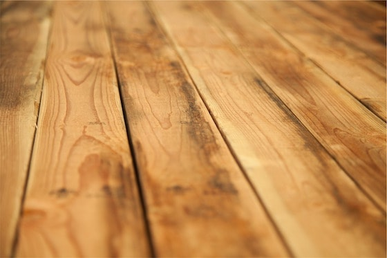 How to Clean a Hardwood Floor with Vinegar?