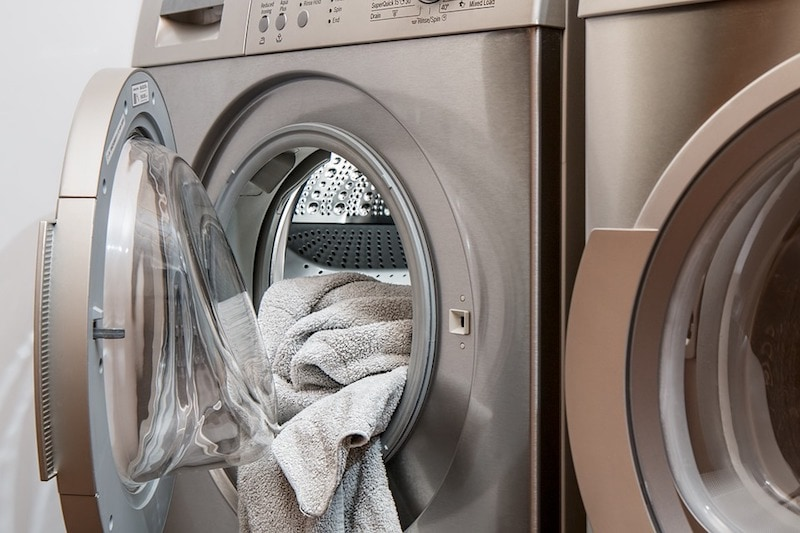 how to clean washing machine naturally?
