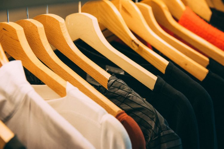 Guide on How to Remove Old Blood Stains From Clothes
